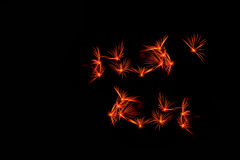 Fuegos artificiales en la noche Fuegos artificiales de la celebración del Año Nuevo, fuegos artificiales coloridos sobre el cielo Foto de archivo