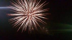 Fuegos artificiales en la noche imágenes de archivo libres de regalías