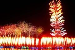 Fuegos artificiales en la torre Guangzhou China del cantón foto de archivo libre de regalías