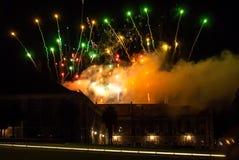 Fuegos artificiales en Ribeira das Naus en Lisboa Fotografía de archivo libre de regalías