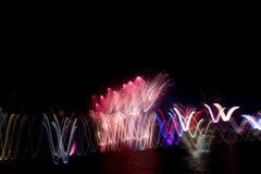 Fuegos artificiales en Victoria Harbour imágenes de archivo libres de regalías