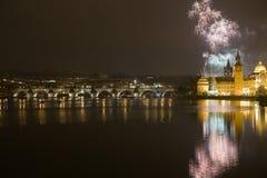 Fuegos artificiales festivos del Año Nuevo 2009 Fotografía de archivo