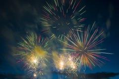 Fuegos artificiales festivos del Año Nuevo Fotografía de archivo