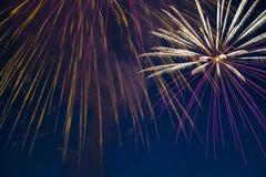 Fuegos artificiales festivos del Año Nuevo Foto de archivo libre de regalías