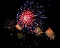 Fuegos artificiales fondo, modelo de los fuegos artificiales, modelo colorido Imágenes de archivo libres de regalías