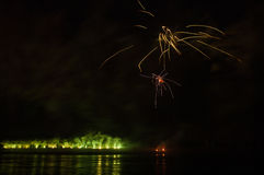 Fuegos artificiales en ciudad de los arles Fotografía de archivo libre de regalías