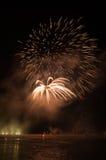 Fuegos artificiales en ciudad de los arles Foto de archivo libre de regalías