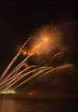 Fuegos artificiales en ciudad de los arles Foto de archivo