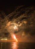Fuegos artificiales en ciudad de los arles Fotografía de archivo
