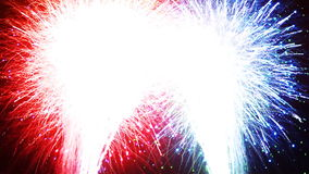 Fuegos artificiales - HD limpio vibrante agudo almacen de metraje de vídeo