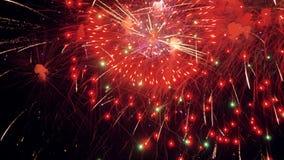 Fuegos artificiales múltiples Fuegos artificiales UHD 4K de la celebración de la Navidad metrajes