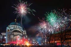 Fuegos artificiales ortodoxos del ` s del Año Nuevo Imagen de archivo libre de regalías