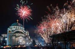 Fuegos artificiales ortodoxos del ` s del Año Nuevo Fotografía de archivo libre de regalías