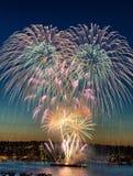 Fuegos artificiales para el día de fiesta Imagenes de archivo
