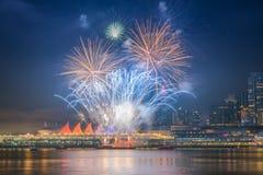 Fuegos artificiales para las celebraciones del Año Nuevo 2018 Fotos de archivo libres de regalías