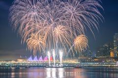 Fuegos artificiales para las celebraciones del Año Nuevo 2018 Imagen de archivo libre de regalías