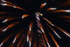 Fuegos artificiales que caen Fotografía de archivo libre de regalías