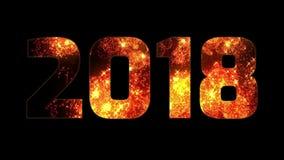 Fuegos artificiales rojos amarillo-naranja hermosos a través de la inscripción 2018 Composición por los nuevo 2018 años Fuegos ar