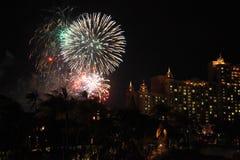 Fuegos artificiales sobre el hotel de la Atlántida, Bahamas Foto de archivo