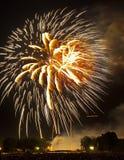 Fuegos artificiales sobre el monumento de Lincoln Imagen de archivo