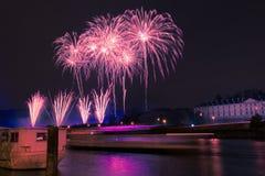 Fuegos artificiales sobre el Sena Fotos de archivo libres de regalías