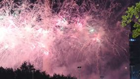 Fuegos artificiales sobre la torre de la TV, Moscú, Rusia almacen de video