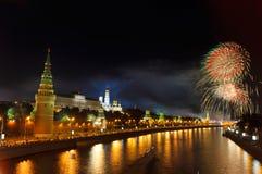 Fuegos artificiales sobre Moscú fotografía de archivo libre de regalías
