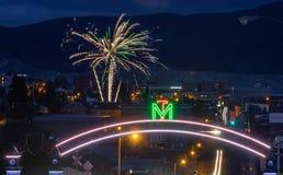 Fuegos artificiales sobre mota, Montana y Montana Tech fotos de archivo