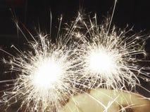 Fuegos artificiales vivarachos foto de archivo libre de regalías