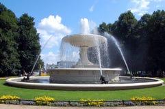 Fuente agradable en Varsovia Foto de archivo