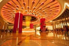 Fuente brillante en el casino de Macao de la galaxia Imagen de archivo