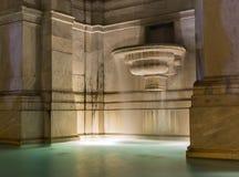 Fuente de agua con la exposición larga, Roma, Italia Foto de archivo