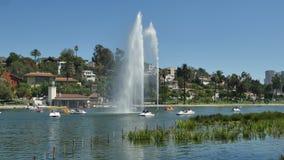 Fuente de agua en Echo Park, Los Ángeles California almacen de video