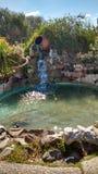 Fuente de agua en la ciudad Fotos de archivo