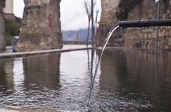 Fuente de agua tradicional Imagen de archivo libre de regalías