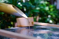 Fuente de bambú en el templo de Japón Fotografía de archivo libre de regalías