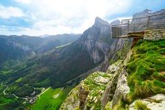 Fuente De berg i Cantabria Spanien royaltyfria foton
