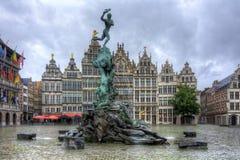 Fuente de Brabo en la plaza del mercado, Amberes, Bélgica imágenes de archivo libres de regalías