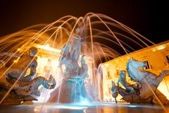 Fuente de Diana, Ortigia, Sicilia, noche Fotografía de archivo libre de regalías