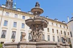 Fuente de Kohl en el castillo de Praga Fotos de archivo