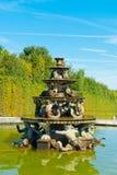 Fuente de la pirámide en Versalles Fotos de archivo libres de regalías