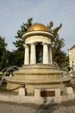 Fuente de la Rotonda - estatuas, columnas y chorros de agua imágenes de archivo libres de regalías
