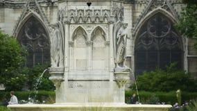 Fuente de la Virgen y del Notre Dame de Paris, atracciones famosas, Francia metrajes