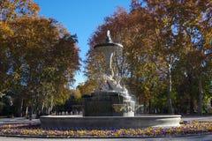 Fuente de los加拉帕戈斯在公园Retiro,马德里,西班牙 库存图片