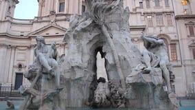 Fuente de los cuatro ríos, plaza Navona, Roma almacen de video