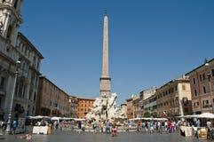 Fuente de los cuatro ríos, plaza Navona, Roma, Italia imagenes de archivo