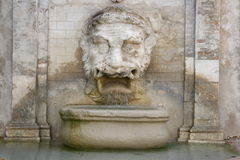 Fuente de Mascherone, Spoleto imagen de archivo