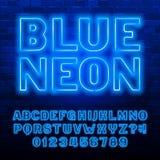 Fuente de ne?n azul del alfabeto May?sculas y n?meros azules de la bombilla del color stock de ilustración
