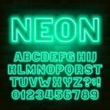 Fuente de ne?n verde del alfabeto Mayúsculas retras y números de la bombilla ilustración del vector
