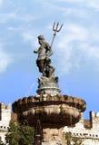Fuente de Neptuno, ciudad de Trento, Italia septentrional. imagen de archivo